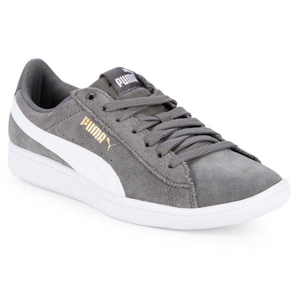 3b5df7028da PUMA Vicky Low Top Suede Sneakers Grey. M 5c3acf29aa8770f6965106eb